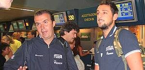 Coach Simone Pianigiani, 42, with Belinelli. Ansa